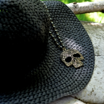 Skull Necklace II