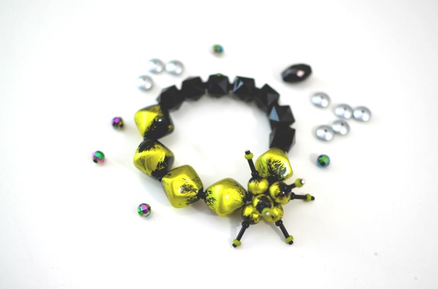 Resin Moss & Black Spray Bracelet